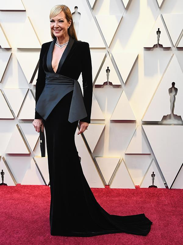Ever the fan of a power-shoulder, american actress Allison Janney is smart, yet chic in this tuxedo-inspired gown.