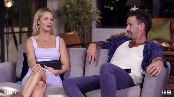 What's that couch body language between Jess and Mick really saying?