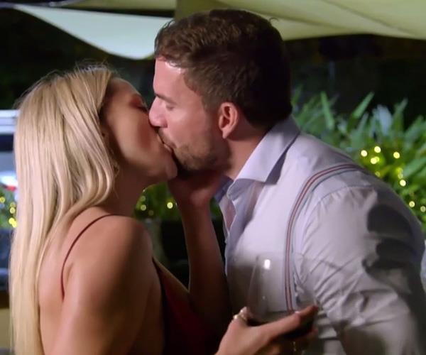 Ladies and gentlemen, it's couple swap number two. *(Image: Channel Nine)*