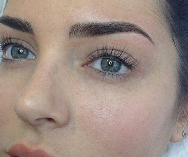 Beauty blogger and influencer Chloe Morello shows off her stunning lash lift. *(Image: Instagram)*