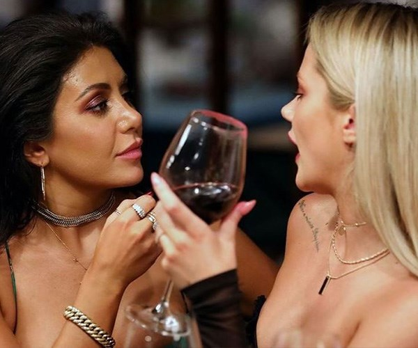 Amanda had some words to say about *MAFS*' Martha and Jess. *(Image: Channel Nine)*