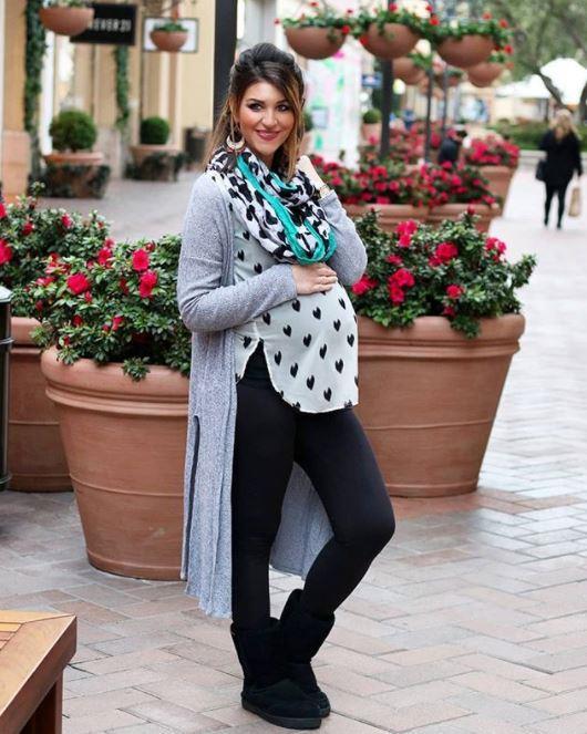 "Fashion blogger Pamela Tsakoumakis swears by the leggings. *(Image: Instagram / [@pamelas_pantry](https://www.instagram.com/pamelas_pantry/?utm_source=ig_embed|target=""_blank""|rel=""nofollow""))*"