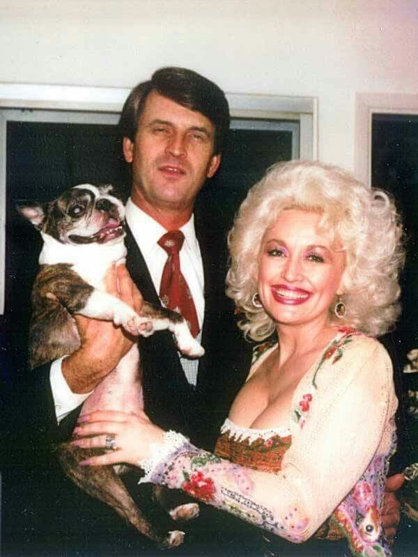 You don't get through 52 years in Hollywood without fending off a few rumours! *(Image: dollyparton.com)*