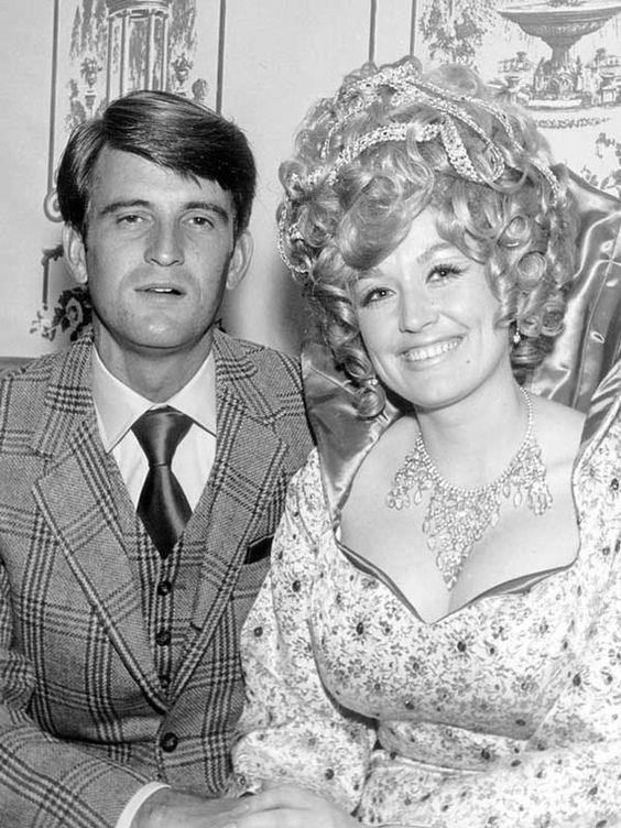 They're the ultimate couple goals! *(Image: dollyparton.com)*