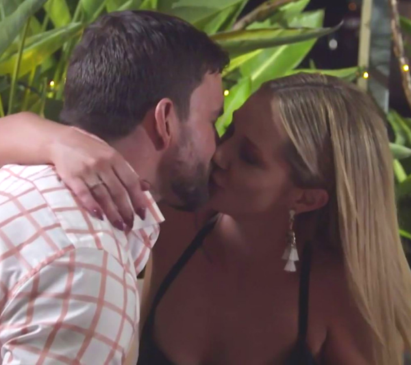 Dan and Jessika make out after hatching an evil plan! *(Source: Channel 9)*