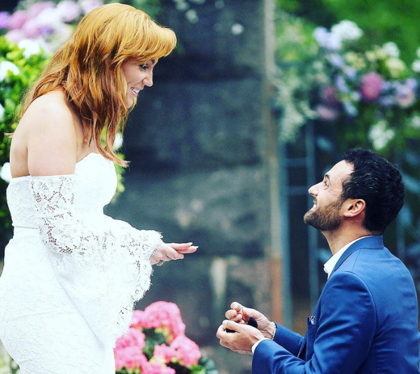 Cam proposed to Jules in the first ever proposal on the series. *(Source: Channel 9)*