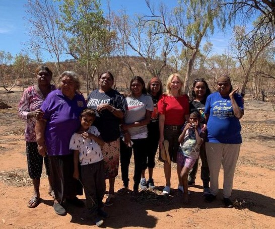 Kerri-Anne with a group of Indigenous Alice Spring women.