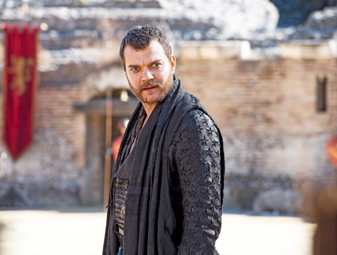 Euron courts Cersei for power.