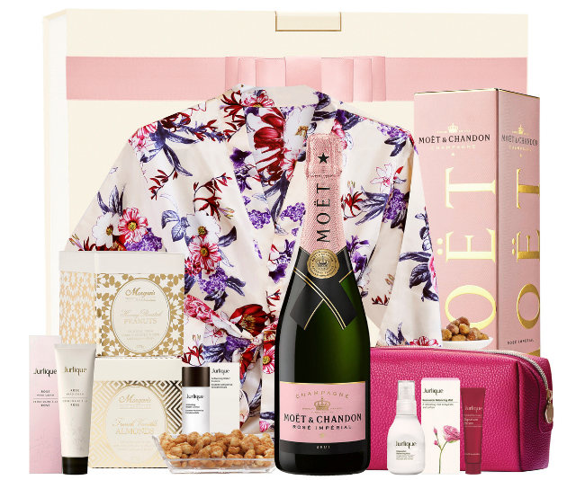 A gift hamper is a great way to spoil mum with more than one gift! *Image: The Hamper Emporium.*