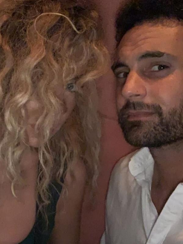 Peek-a-boo! Heidi's signature curls were on show in a fun selfie with Cam. *(Source: Instagram/Heidi Latcham)*