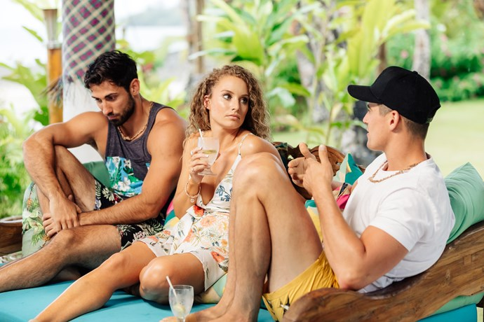 Zoe was flanked by 'taken' men for her first few hours in Paradise.