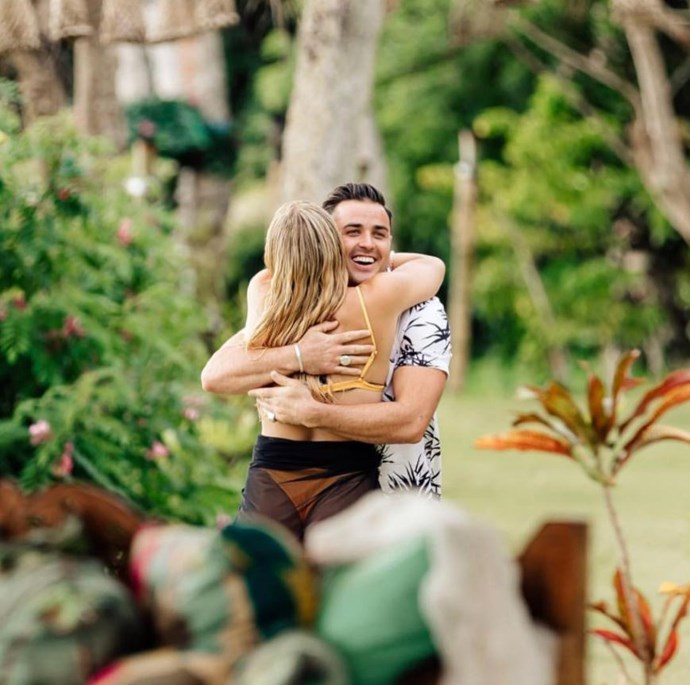 Davey and Flo were absolutely THRILLED to see each other in Paradise. *(Source: Network Ten)*