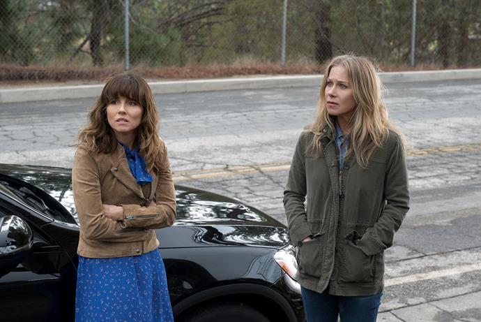 Jen (Christina) and Judy (Linda Cardellini) in Dead to Me *(Image: Netflix).*