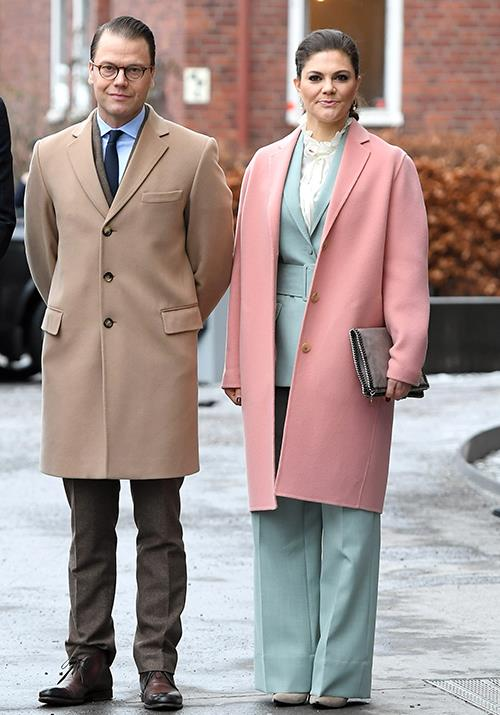 "**Crown Princess Victoria of Sweden** <br><br> We also couldn't look past Crown Princess Victoria's pastel ensemble worn during [a visit to the Karolinska Institute](https://www.nowtolove.com.au/royals/british-royal-family/duchess-catherine-channels-late-mother-in-law-in-sweden-44638|target=""_blank"") in 2018, it was the style statement we'd all been waiting for."
