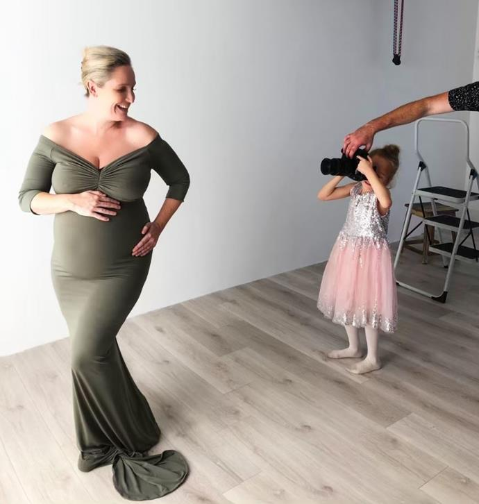 Fifi Box's stunning maternity shoot - with a little help from Trixie! *(Source: Instagram/Fifi_Box)*