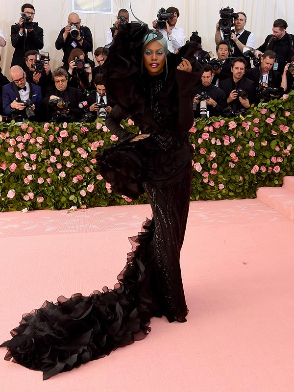 *Orange Is The New Black* star Laverne Cox definitely turned heads all in black. *(Image: Getty Images)*
