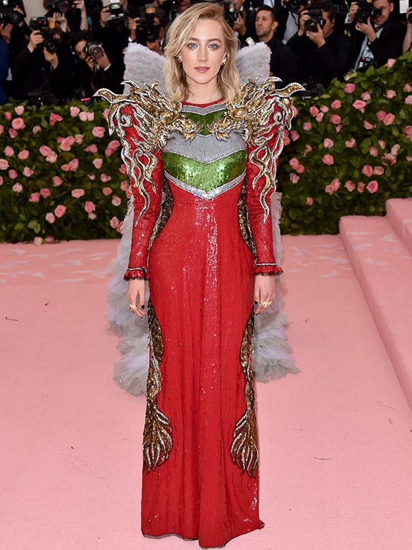 Looking like the Royal Queen she is, Saoirse Ronan arrives at the 2019 Met Gala. *(Source: Getty Images)*