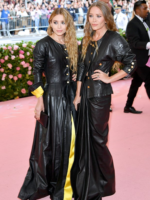 Twinning! The Olsen Twins, look like the, uh, Olsen twins... *(Source: Getty Images)*