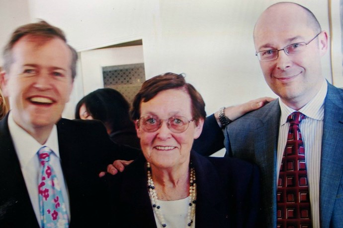 Bill pictured here with his mum and twin brother, Robert. *(Image: Twitter)*