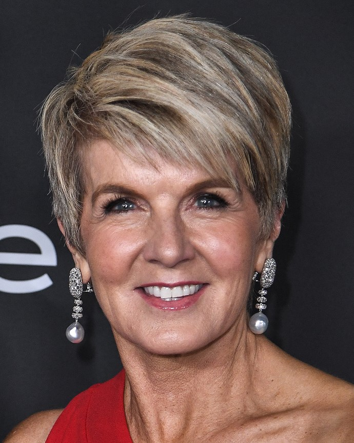 The 62-year-old debuted a brand new chop at the glitzy event that set off her glowing complexion beautifully. What IS her secret?? *(Image: Getty)*