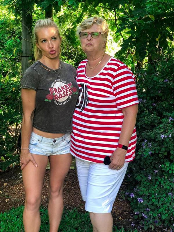 Looking good! Former *Bachelorette* Ali Oetjen kept things lighthearted with her mum. *(Image: Instagram @alioetjen)*