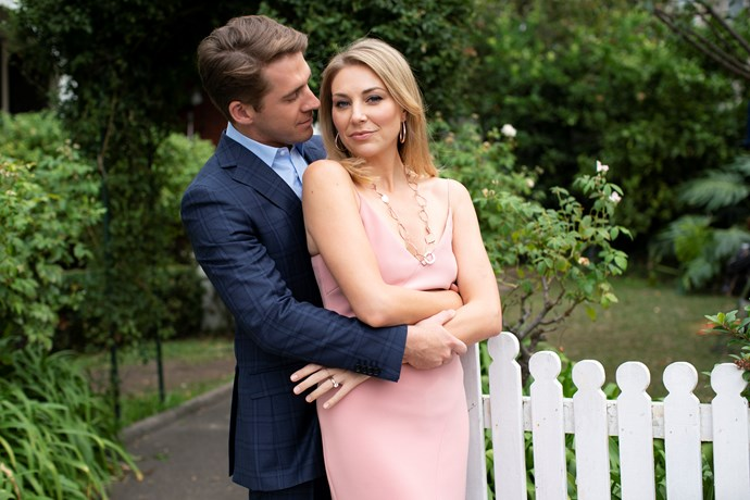 "**Hugh Sheridan and Kate Jenkinson as Lachlan and Melanie Best** <br><br> Lachlan is one of the original five to move in to the home, and is Ainsley's co-worker and love interest.  <br><br> He's currently going through a complicated ""split"" from his wife Melanie, played by Kate Jenkinson, and looks set to break poor Ainsley's heart. Lachlan is the absolute worst, but you can read more about that [**here**.](https://www.nowtolove.com.au/celebrity/tv/five-bedrooms-lachlan-hugh-sheridan-55749