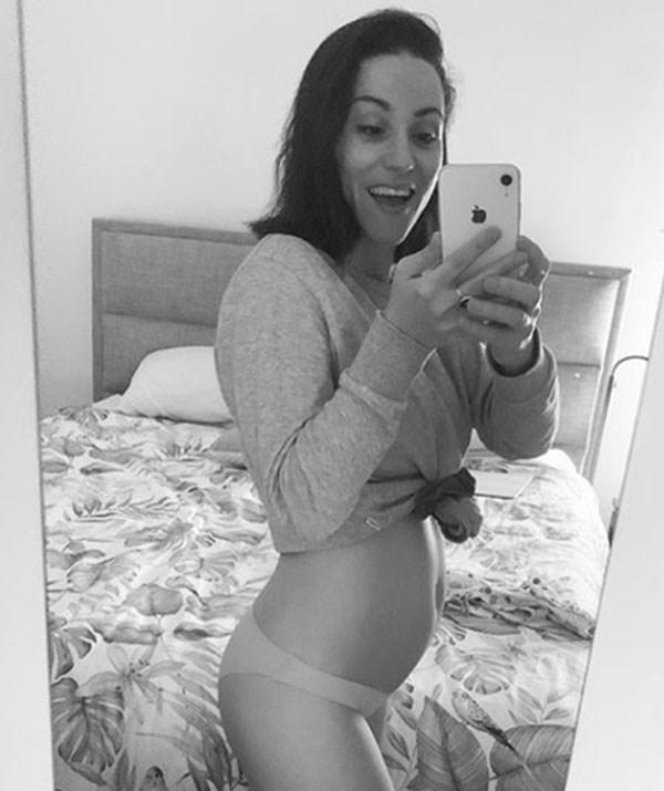 "Jacinda wrote: ""Due November 2nd"" alongside a selfie showing off her baby bump. *(Image: @jacindagugs/ Instagram)*"
