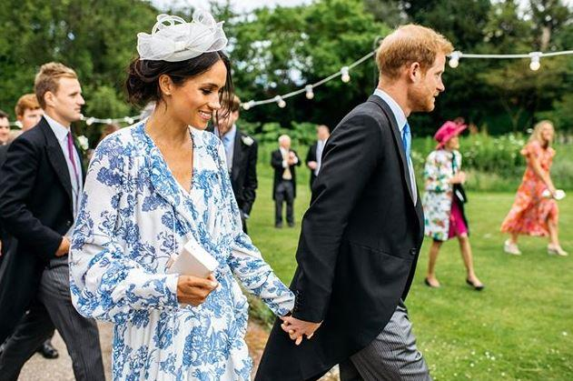 Beautiful! The Sussexes look incredible in this newly surfaced picture.