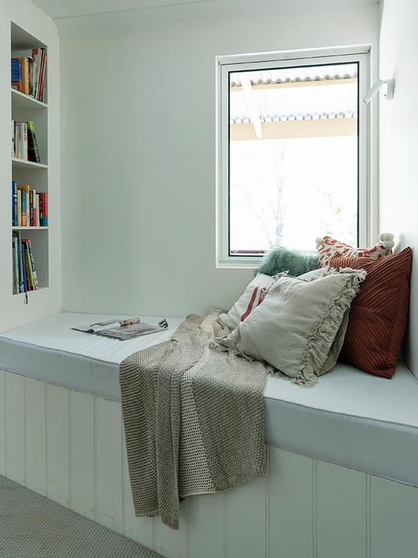 We could spend hours reading or chilling in this little corner.