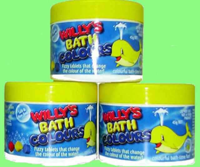 Get the kids excited for bath time by letting them drop the tablet into the water and watch as it fizzes and magically turns the water a different colour!