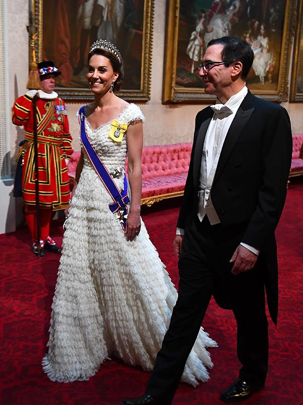 Duchess Catherine stole the show at the recent state banquet at Buckingham Palace.