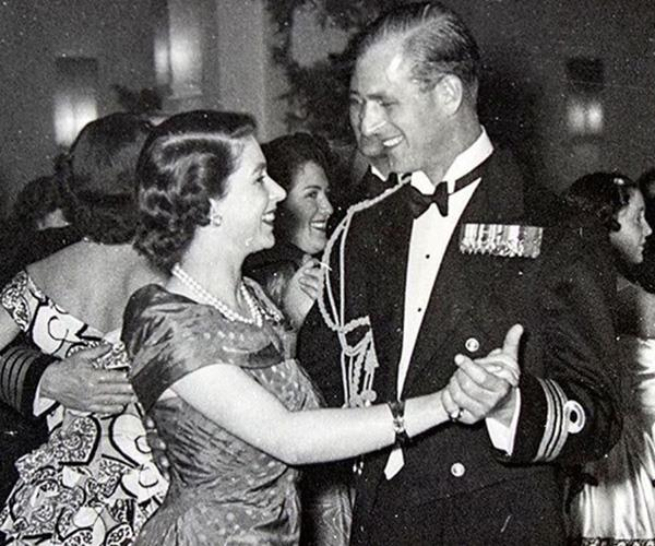 We simply adore this photo of the Queen and Prince Philip dancing!
