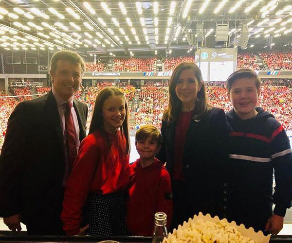 "The whole family, minus Princess Josephine, looked like they had a blast when they [cheered on the Danish handball team](https://www.nowtolove.com.au/royals/international-royals/crown-princess-mary-children-handball-53799|target=""_blank"") at the World Championship final against Norway."