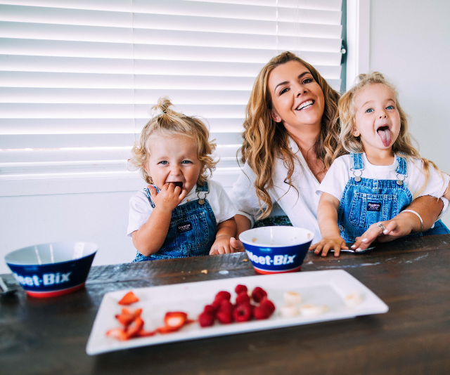 """Mel Watts is such a fan of letting kids explore food that she's encouraging families to get involved in the [Weetbix Messy Kids](https://www.weetbix.com.au/messykids/