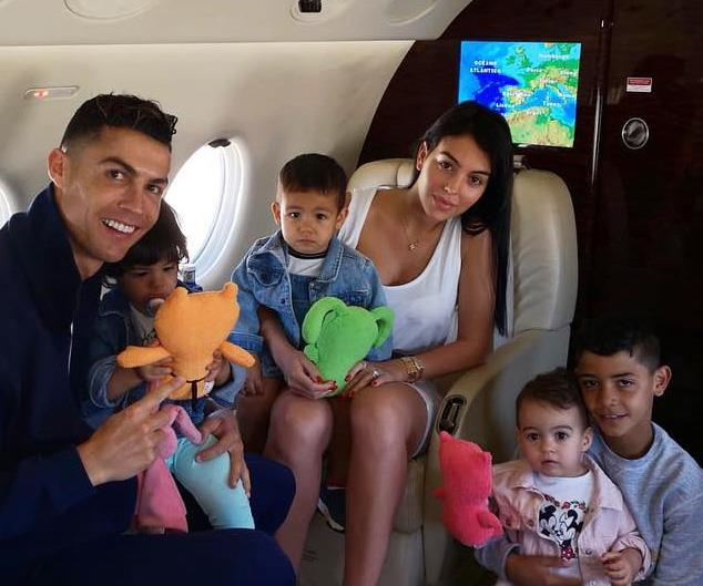 Cristiano Ronaldo S Nontraditional Family Dynamic Explained Now To Love