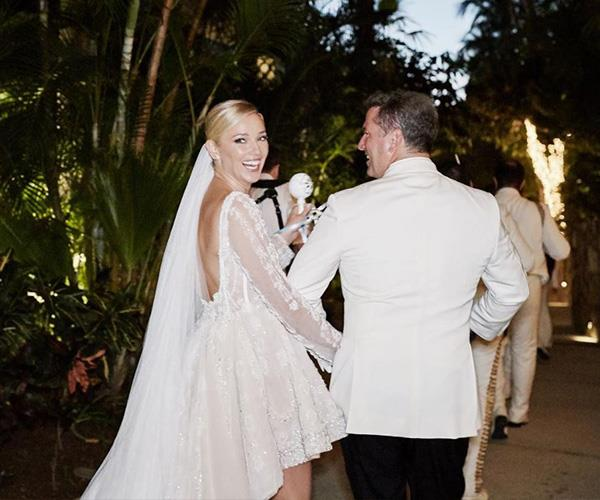 Jasmine and Karl tied the knot in Mexico in December 2018.