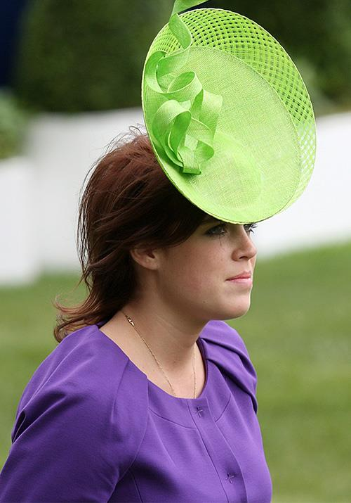 Speaking of being brave, Eugenie's zesty green number worn in 2009 commanded our attention, but not necessarily for the right reasons.