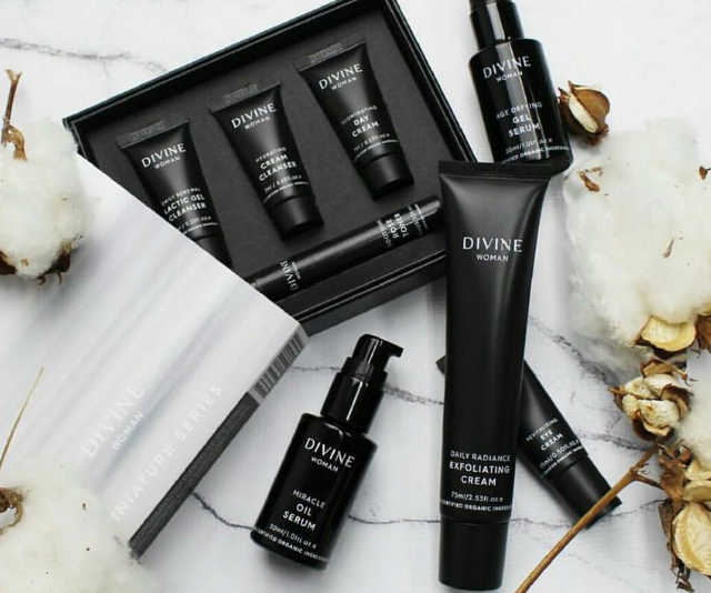 """**Divine skincare:** [Therese Kerr](https://www.nowtolove.com.au/health/diet-nutrition/therese-kerrs-bizarre-diet-revealed-12782