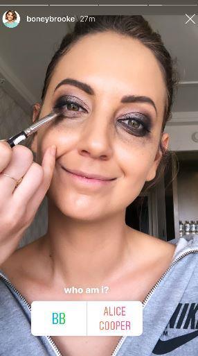Before comically sharing her dramatic eye make-up!