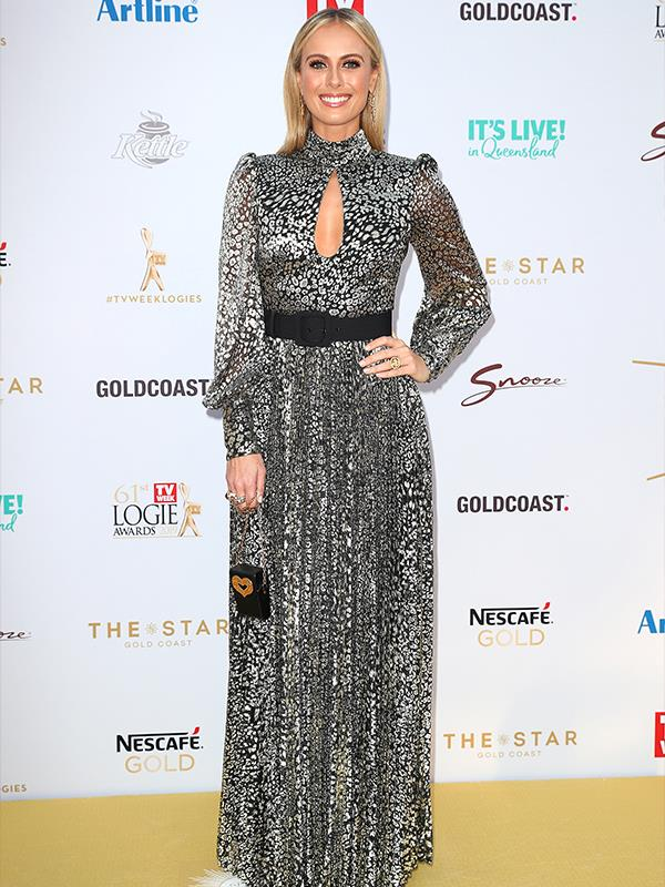 Sylvia Jeffrey's beautiful sliver gown is all kinds of glam - this NESCAFÉ Gold carpet is seriously turning it up for us tonight!