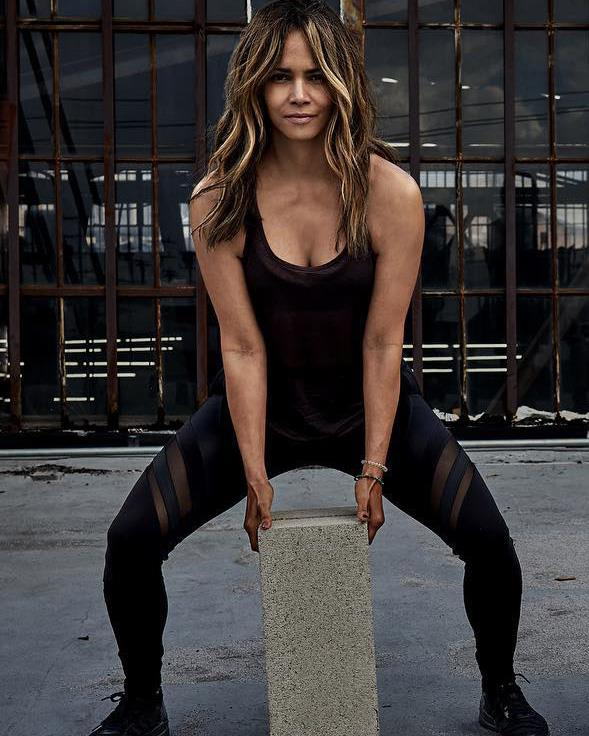 Halle is a total beast in the gym - and it shows!