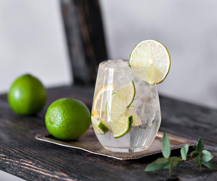 "**SODA WATER & LIME** <br><br> This is the perfect drink to order at the pub or when you're out at dinner, because it makes you feel like you're drinking, but it's only water! Plus, if you want to avoid your nosy pals or if you're in the early stages of pregnancy and trying to keep things quiet, this can help keep the ""Why aren't you drinking?!"" questions at bay."