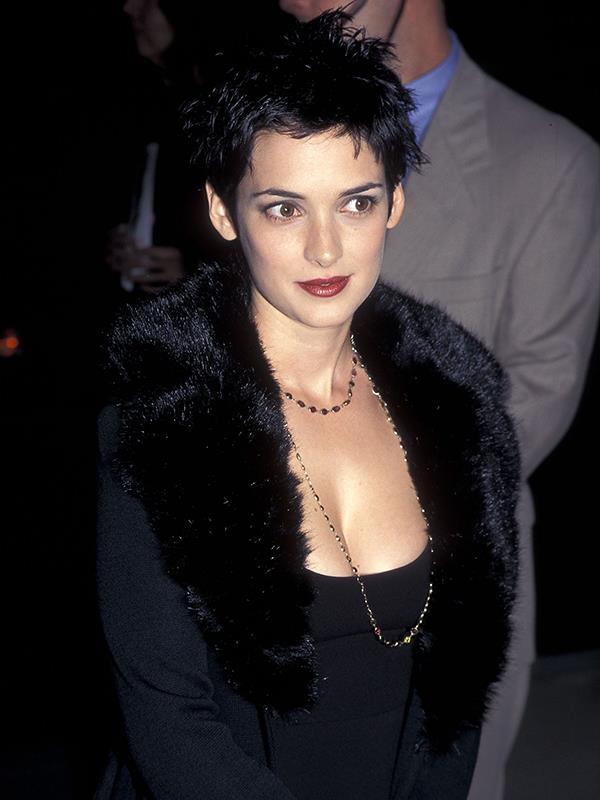Winona opted with an all black ensemble at the premiere for *The Crucible*.