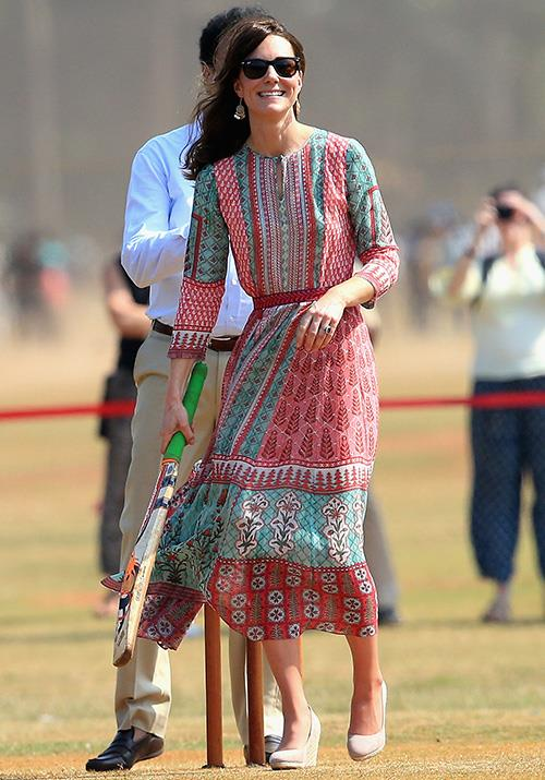And we cannot get enough of this Anita Dongre dress she wore while playing cricket during her 2016 tour of India. And we have to give her props for tackling the sport in heels!