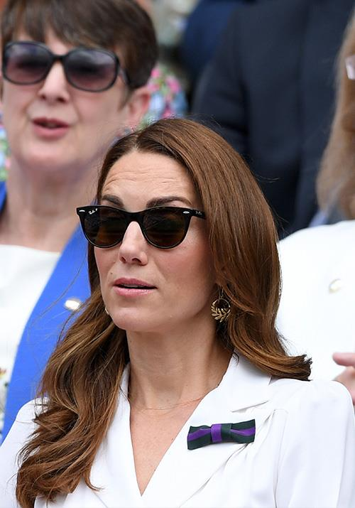 "Kate Middleton's [animated display](https://www.nowtolove.com.au/fashion/fashion-news/kate-middleton-fashion-2019-56946|target=""_blank"") from the stands on day two is one we'll be remembering for a while to come."