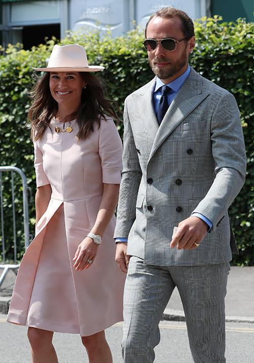 "Proving that good style is in their genes, [Pippa and James Middleton](https://www.nowtolove.com.au/celebrity/celeb-news/pippa-middleton-wimbledon-2019-56922|target=""_blank"") made older sister Kate proud when they stepped out together to watch Serena Williams, Novak Djokovic and Roger Federer on Centre Court."