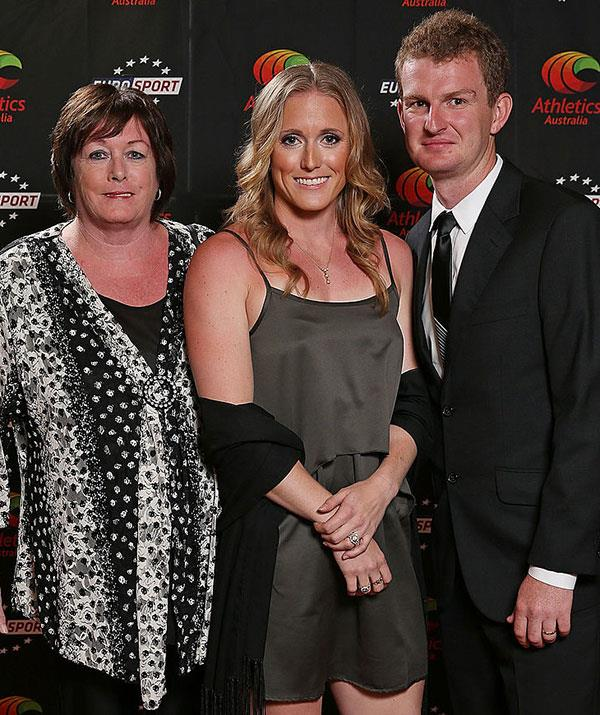 Sally (centre) with mum Anne and husband Kieran at the 2012 Australian Athlete of the Year Awards.