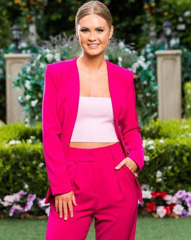 Talk about making a statement! Fan favourite Chelsie opted for a bright pink ensemble from Sheike - a power suit like no other!