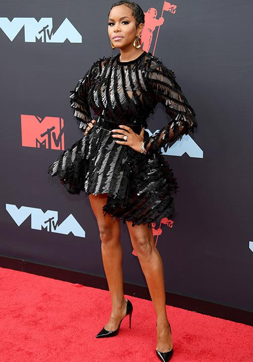 Singer LeToya Luckett pulls off that sultry glam look like a total boss.