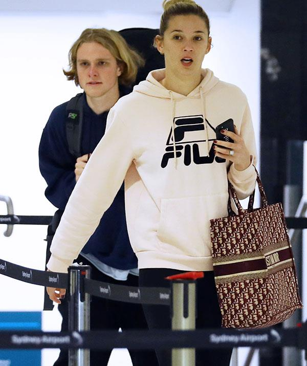 Jackson and Jasmine arrive at Sydney airport.